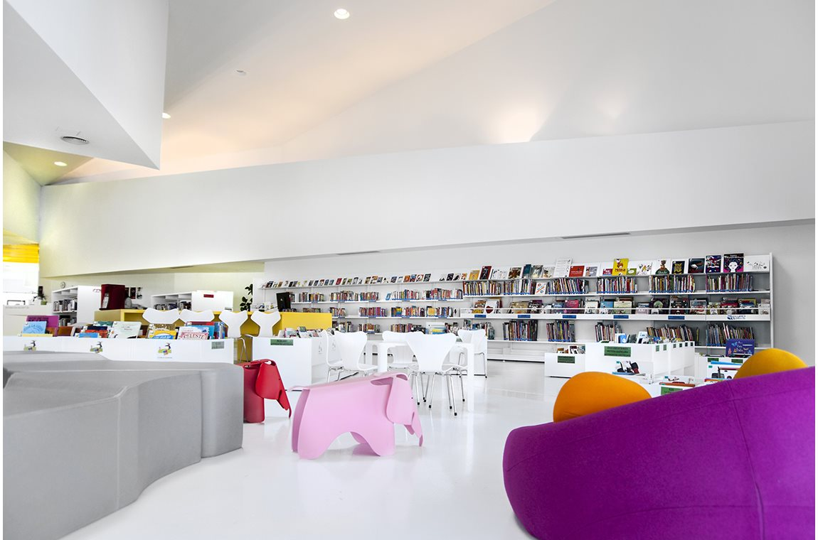 Isbergues Cultural Center Library, France - Public libraries