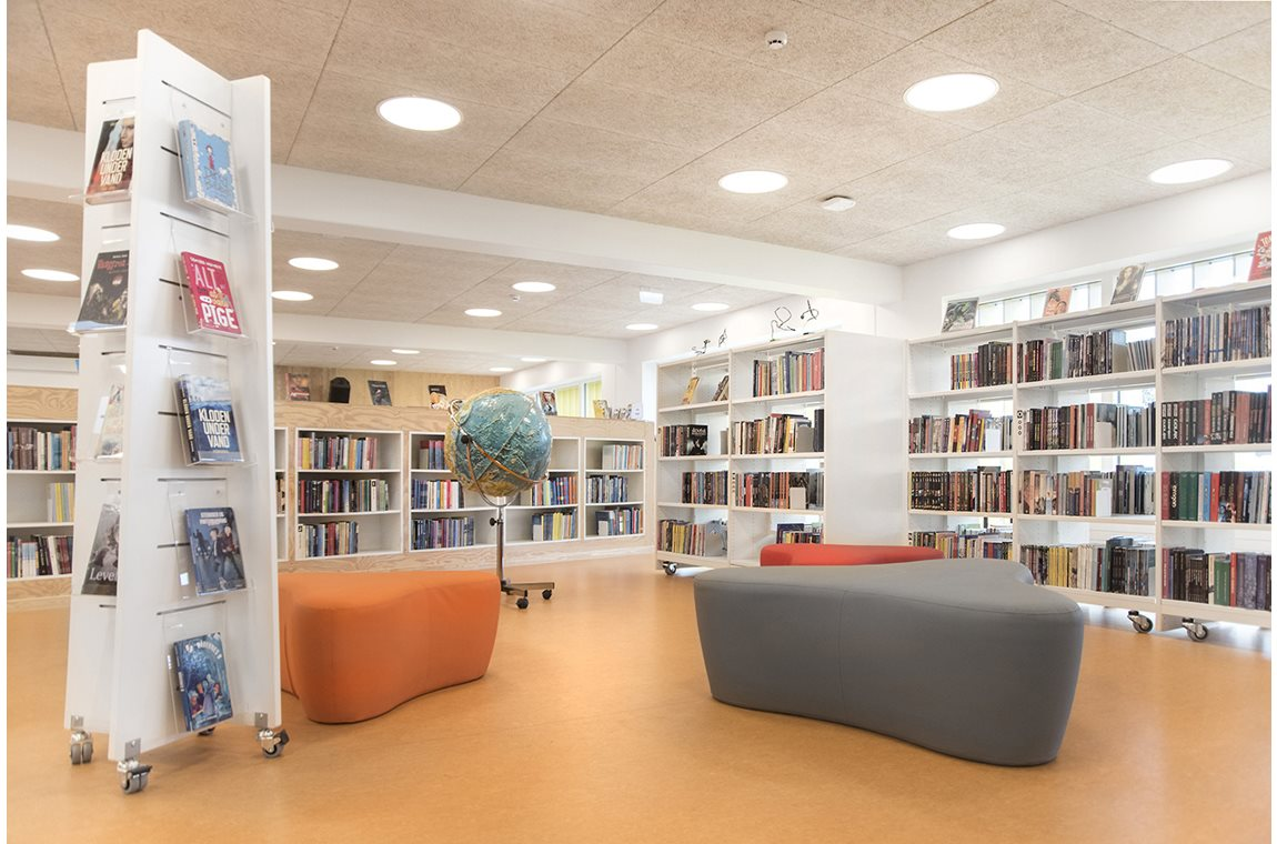 Lykkesgårdskolen School Library, Varde, Denmark - School libraries