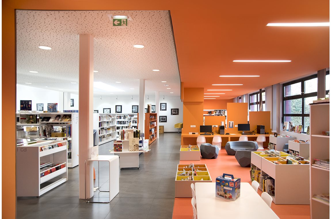 Oye-plage Public Library, France - Public libraries